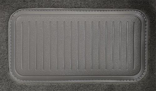 Suzuki Samurai Pass Area with Console Cover Flooring .jpg