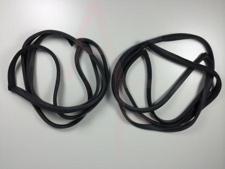 Volkswagen Beetle Door Seal Kit.jpg