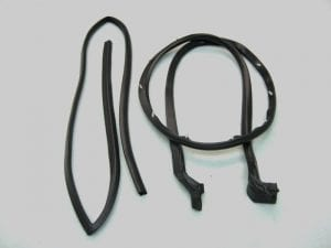 Ford Bronco Front Door Seal Kit Passenger Side.jpg