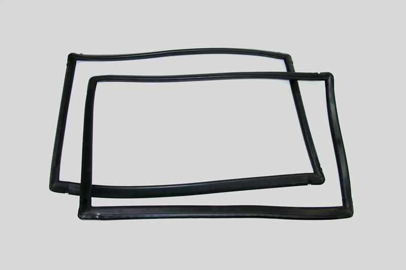 Jeep Cherokee or Wagoneer Rear Quarter Window Seal Kit.jpg